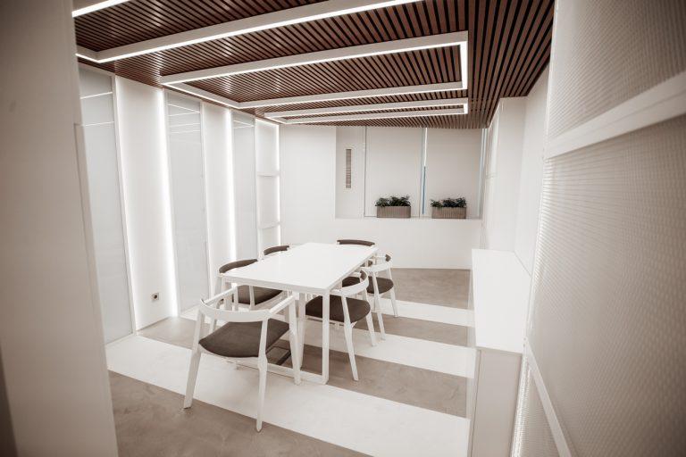 Комната для встреч