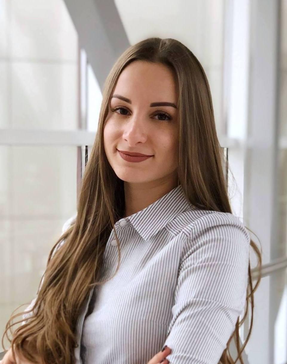 Алина Онищенко