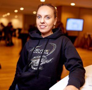 Елена Лесничая