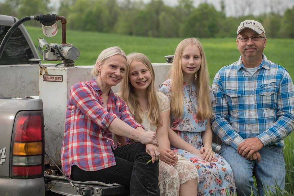 Виктория и Джейсон Спарц с детьми. Источник: Facebook