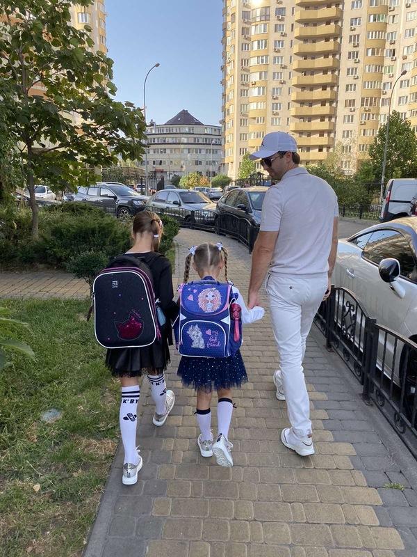 Максим Слободянюк с дочками