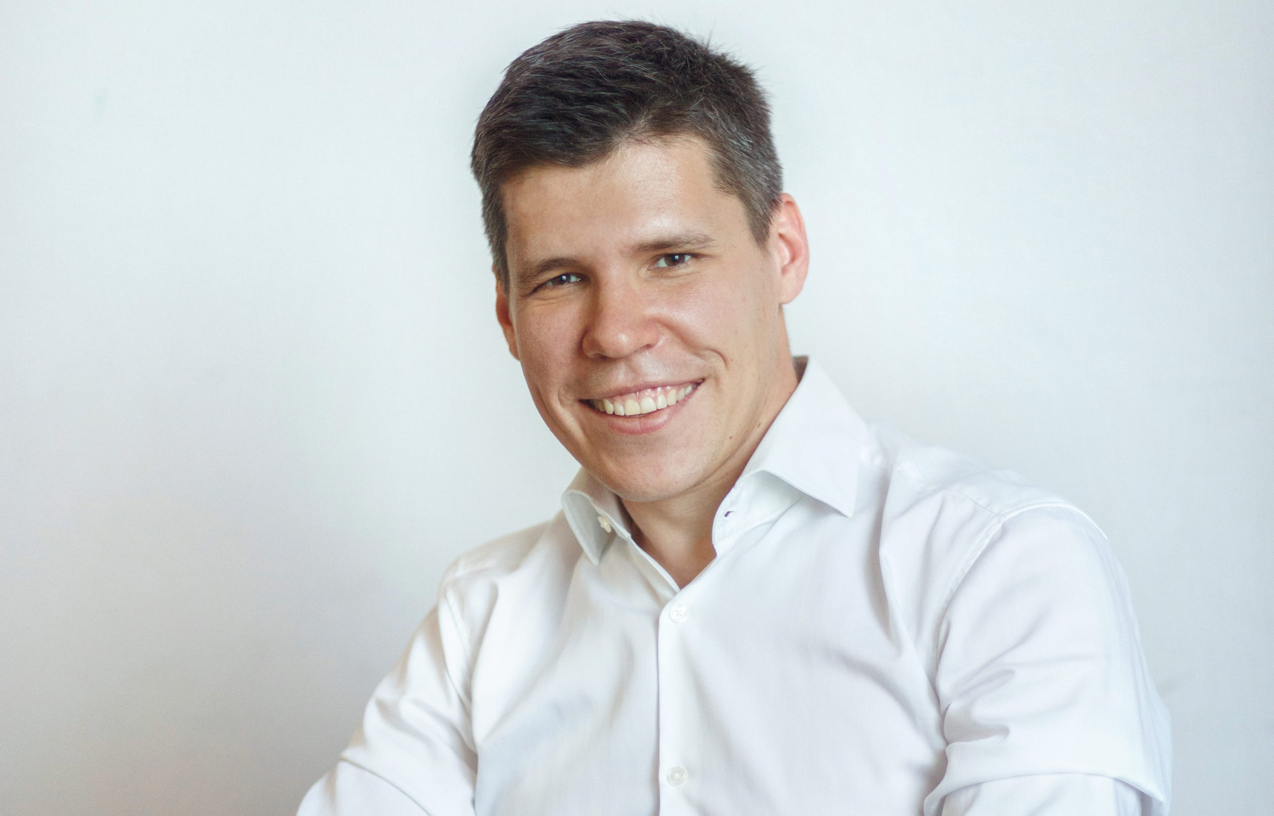 Владимир Многолетний, Genesis, Genesis Investments