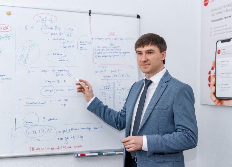 Виктор Харьковец, руководитель по микрокредитованию департамента малого бизнеса ПУМБ