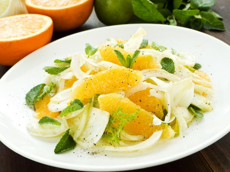 Салат с фенхелем и апельсином от Джейми Оливера
