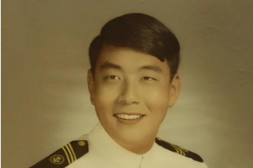 Роберт Кийосаки – морской пехотинец. Источник: En24smi