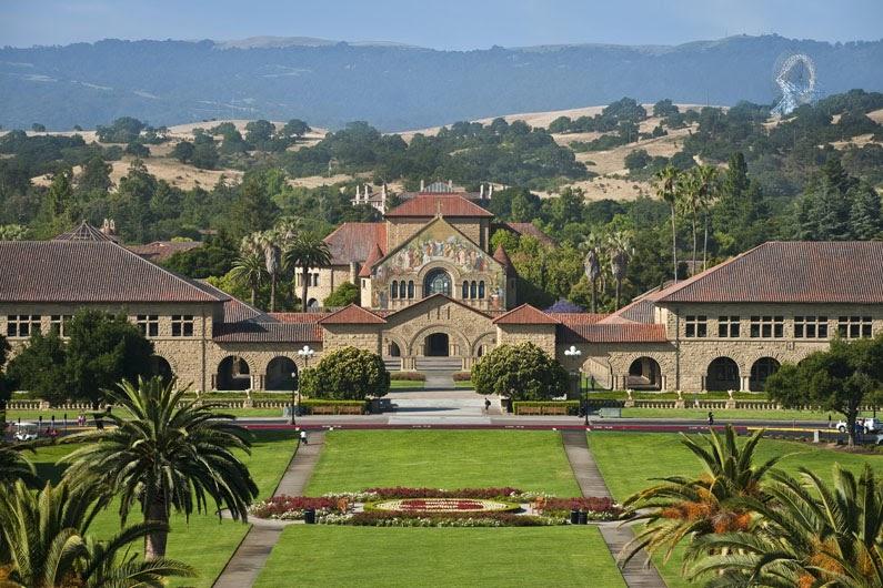 Вход в университет Стэнфорда. Источник: Stanford University
