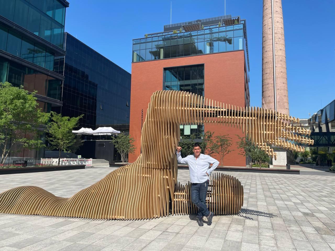 Скульптура Merman в UNIT.City