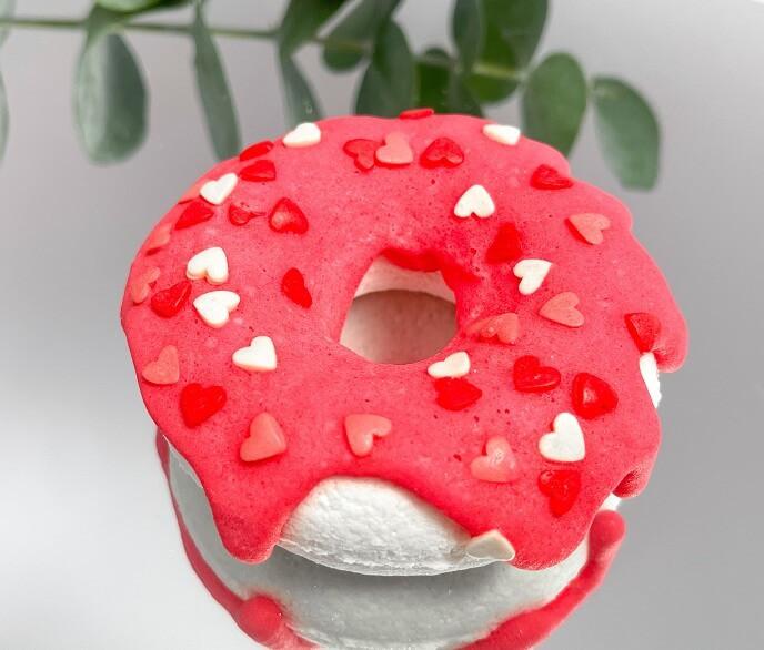 Бомбочка-пончик «Клубника»